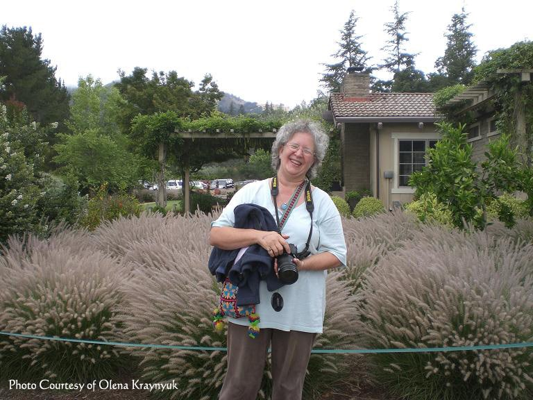cynthe brush, photographer, laughing at the sonoma lavender festival